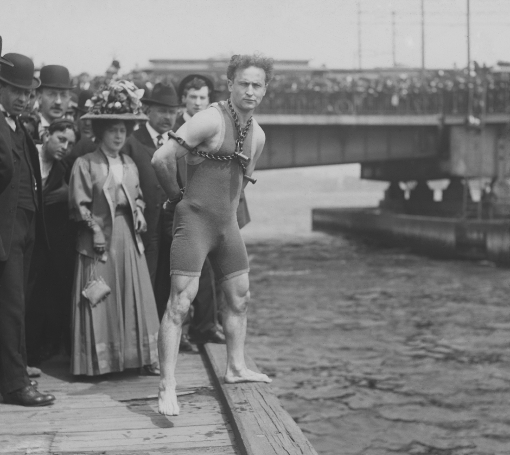 The Incredible Life and Performances of Harry Houdini